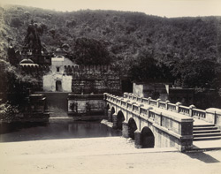 [Bridge by the Damodar temple, outside Junagadh.]